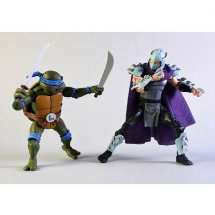 NECA Teenage Mutant Ninja Turtles Cartoon Action Figure 2 Pack - Leonardo vs. Shredder